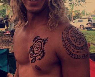 Joel, Henna Model